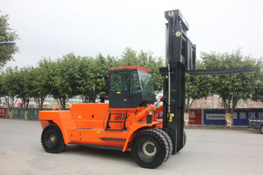 Four Wheel Drive Forklift 30 Ton Compact Structure For Ports / Docks