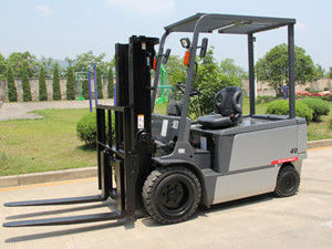 China High Efficiency Seated Electric Forklift , Small Electric Forklift 1.5 - 4.0 Ton factory