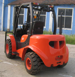China Large Ground Rough Terrain Forklift 2.5 Ton 2 Wd Walk Behind Forklift All Terrain Forklift factory