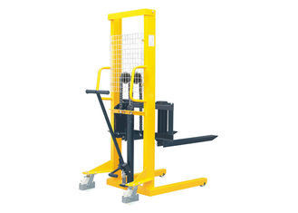 1.5 Ton Capacity Manual Pallet Stacker For Short Distance Transportation