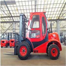 4 x 4Wd Small All Rough Terrain Forklift 1800Kg Hydraulic Truck Customized Color