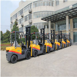 China Customized Color Diesel Engine Forklift 3.5 Ton With 3000mm Lift Height factory