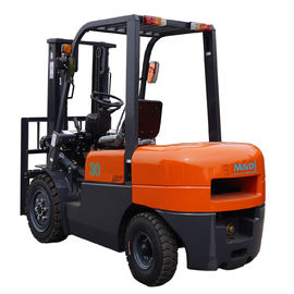 China 3000mm Lift Height Diesel Forklift Truck With Pneumatic Tires Automatic Transmission factory