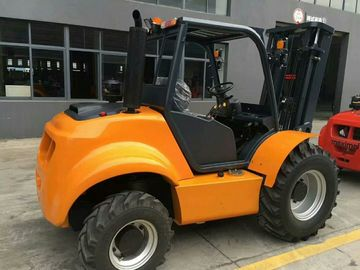 Compact Structure Rough Terrain Forklift 4 Wheel Drive Forklift High Performance